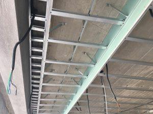 صورة طريقة تركيب الجبس في السقف بالصور , صور لتركيب الجبس كاسقف مستعارة