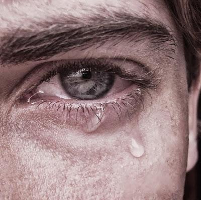 صور صور شخص يبكي , دموع من القلب