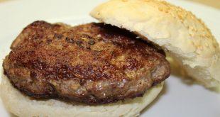طريقة عمل برجر اللحم في البيت , الذ برجر فالبيت بالخطوات