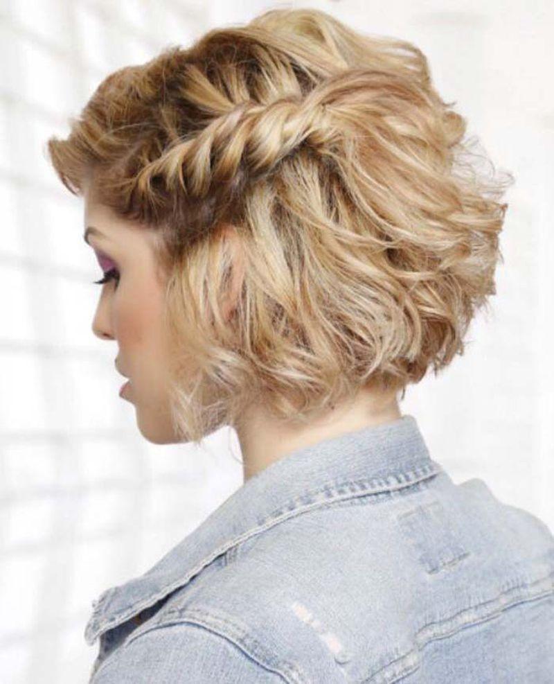 صورة تسريحات خفيفة للشعر القصير , لو شعرك قصير تعالي اختاري تسريحه تناسبك