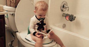 كيف اعلم طفلي الحمام , طريقه سهله لتعليم طفلة دخول الحمام